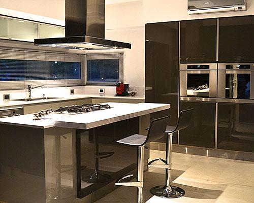 Cocina Johnson Gofratto Alto Brilla - Obra por ArkMobili